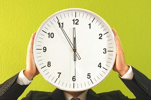 Die Zeiger der Uhr - Margot Eskens